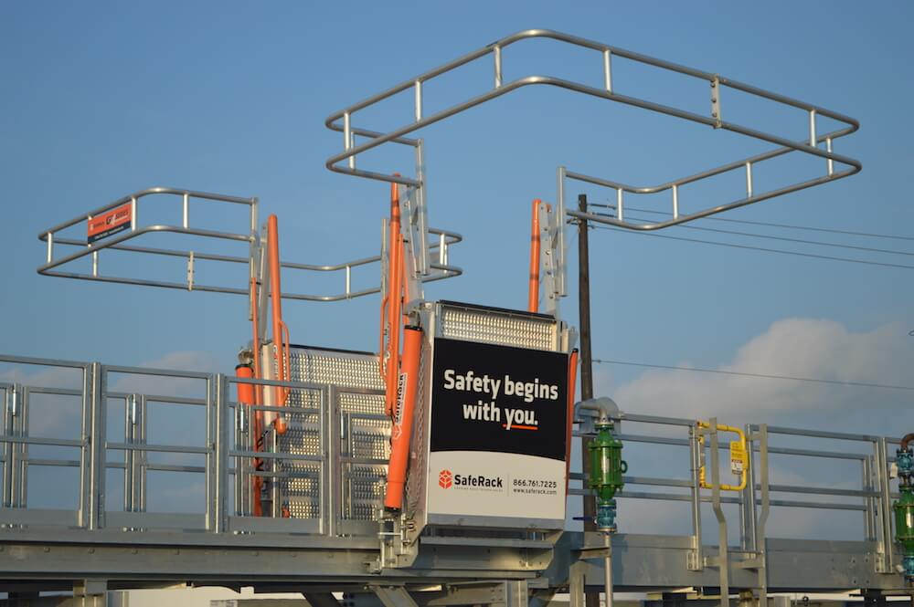 Railcar Gangway w/ Fall Protection Cage