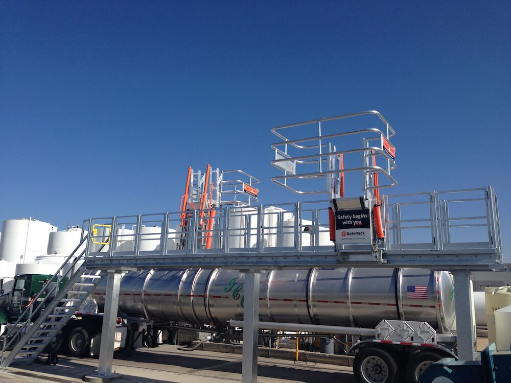 Truck Gangway w/ Cage for Fall Protection