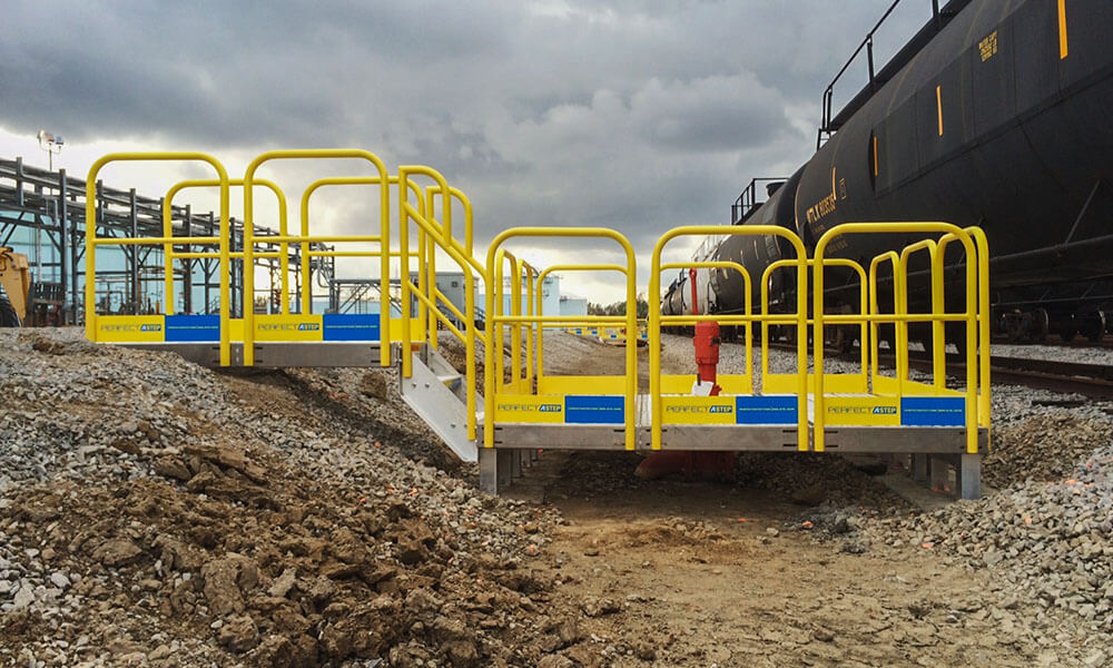 Elongated Work Platform Metal Handrail System
